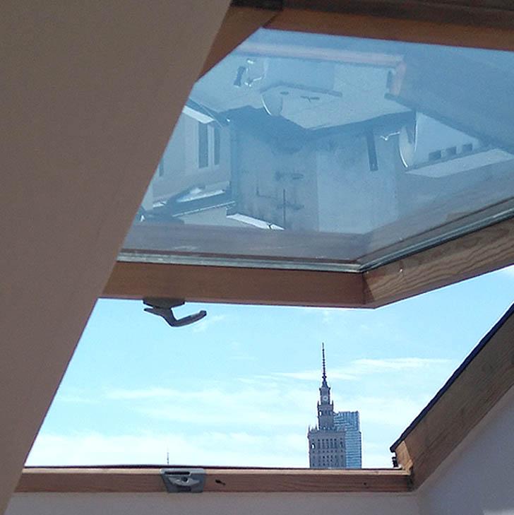 Otwarte okno w Warszawie